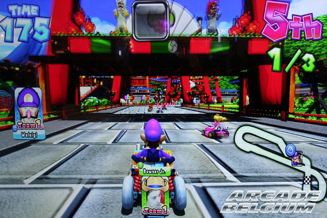 Mario Kart Arcade GP DX - Page 2 Eag14008b